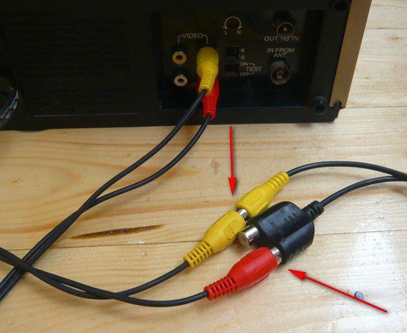 подсоединяем A/V кабель