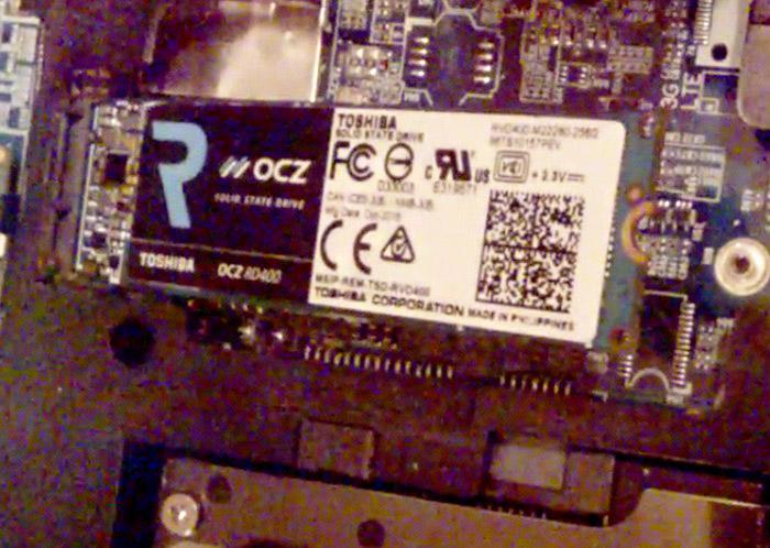 Установка твердотельного накопителя SSD Toshiba OCZ RD400 256 гб в
